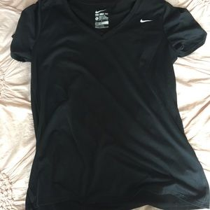 black nike t shirt